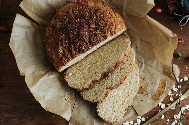 Pain sans gluten à l'avoine & au sirop d'érable / Gluten-free oat & Maple syrup bread