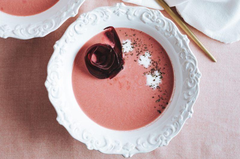 Soupe de poireaux et betterave rouge / Beetroot and leek soup
